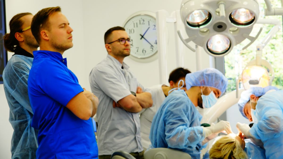 preludium-implantologii-s03-e1-1-023