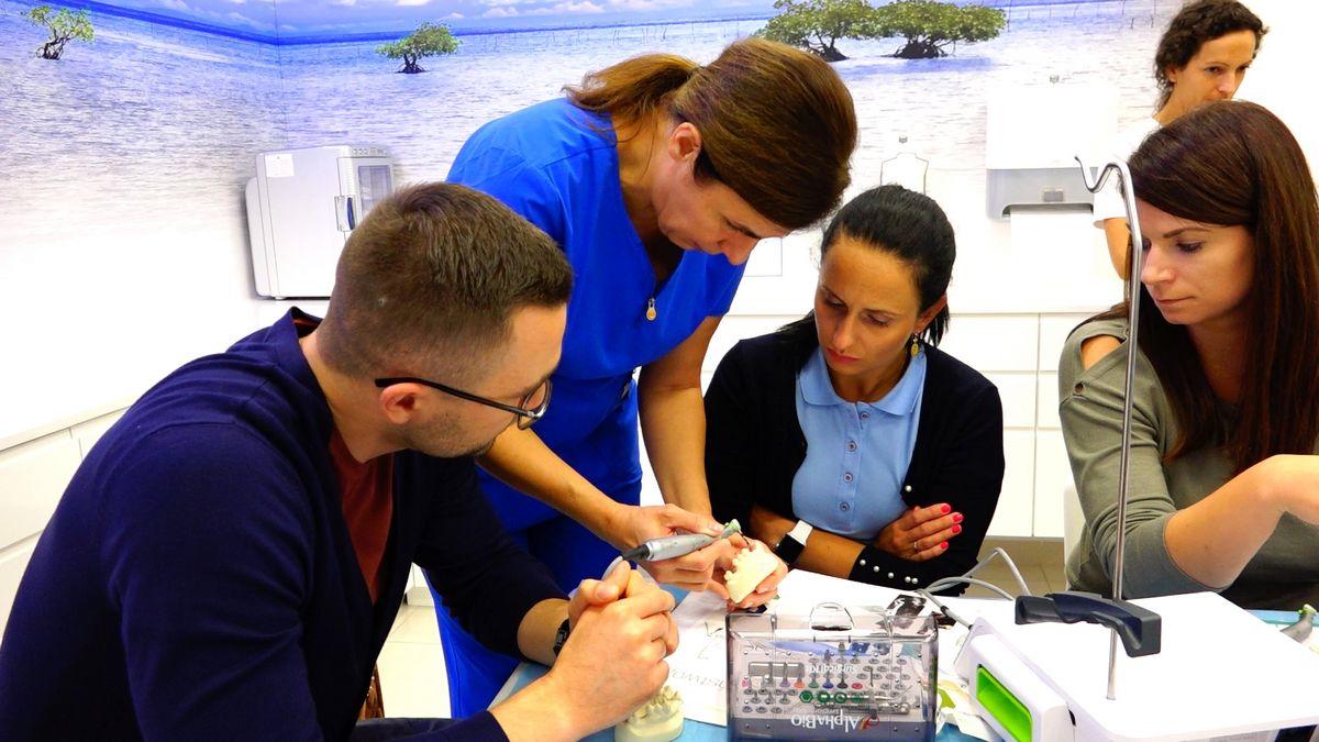 preludium-implantologii-s03-e1-1-033