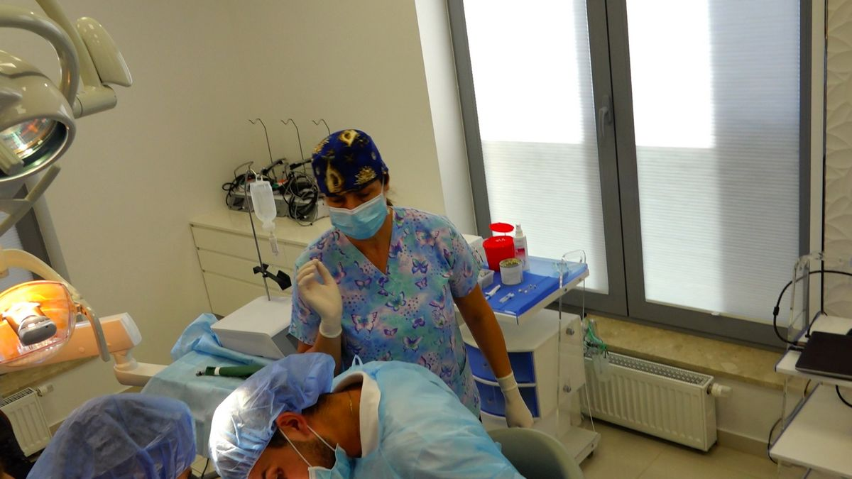 preludium-implantologii-s03-e1-1-051