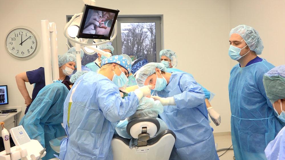 practiculum-implantologii-01-s2-008