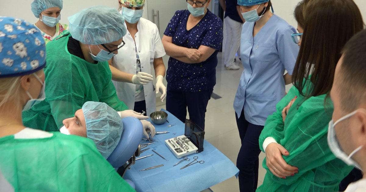 practiculum-implantologii-01-s6-017