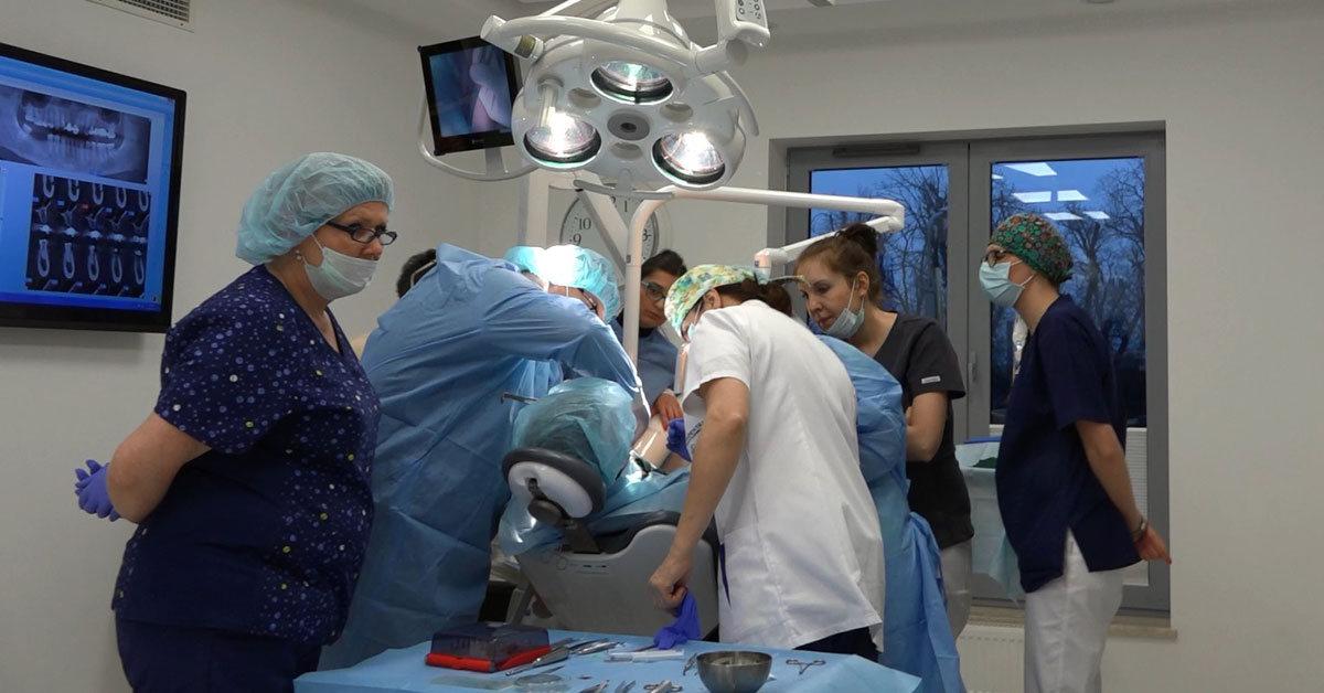practiculum-implantologii-01-s6-042