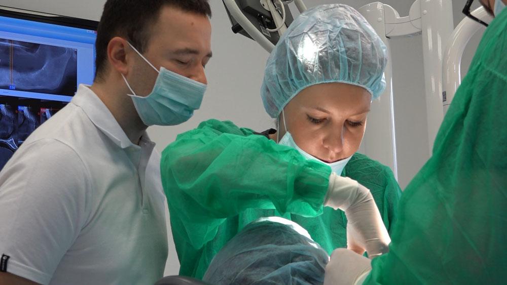 practiculum-implantologii-01-s7-019