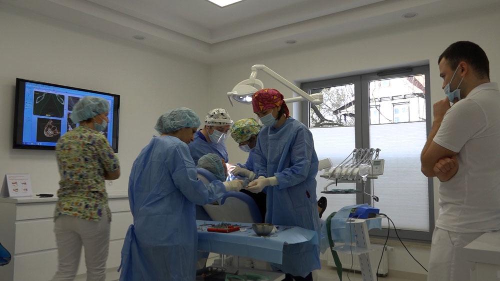 practiculum-implantologii-01-s7-034