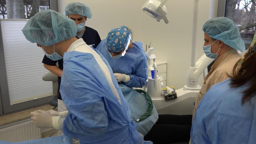 practiculum-implantologii-01-s7-054