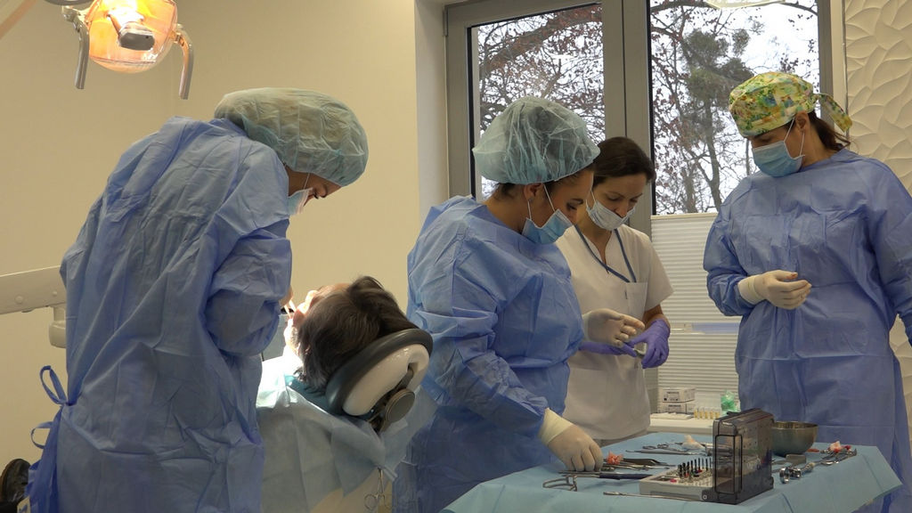 practiculum-implantologii-03-s4-010