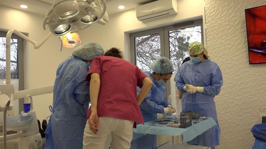 practiculum-implantologii-03-s4-011