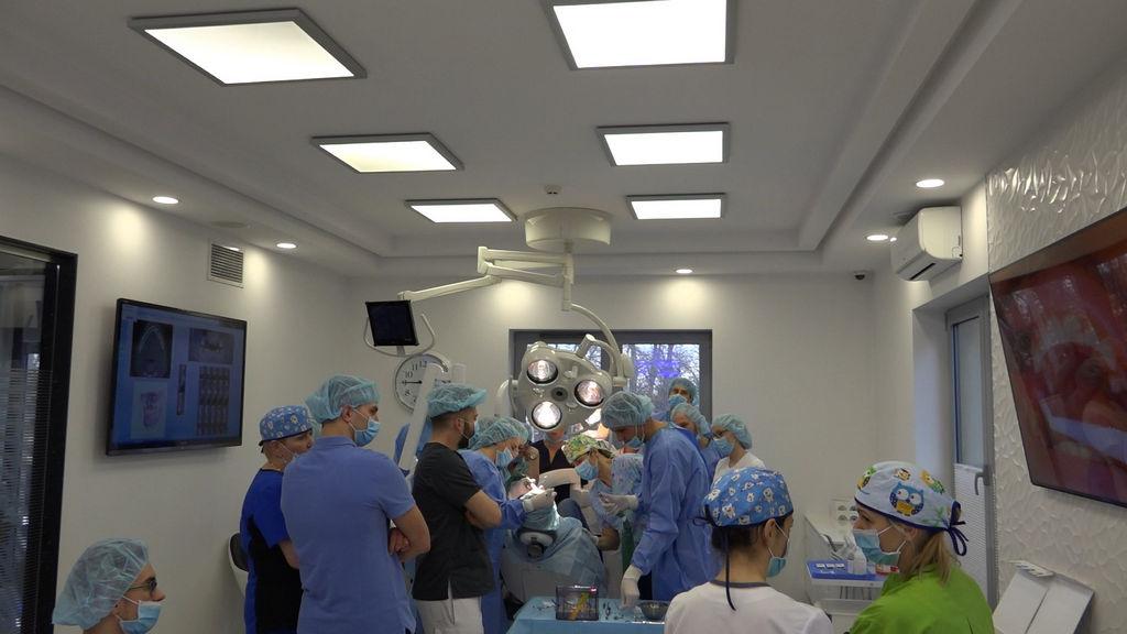 practiculum-implantologii-04-s1-001