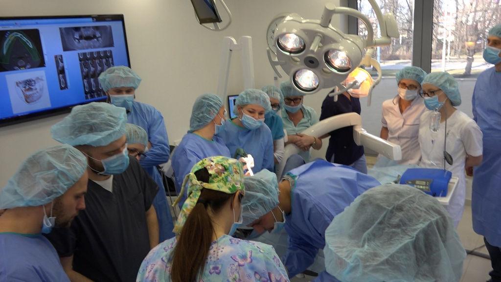 practiculum-implantologii-04-s1-019