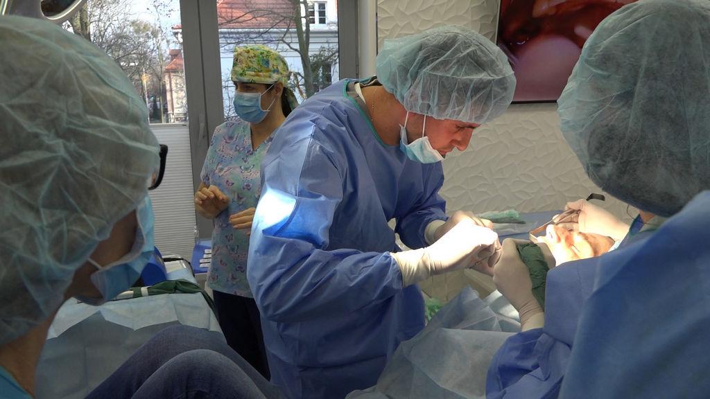 practiculum-implantologii-04-s1-024