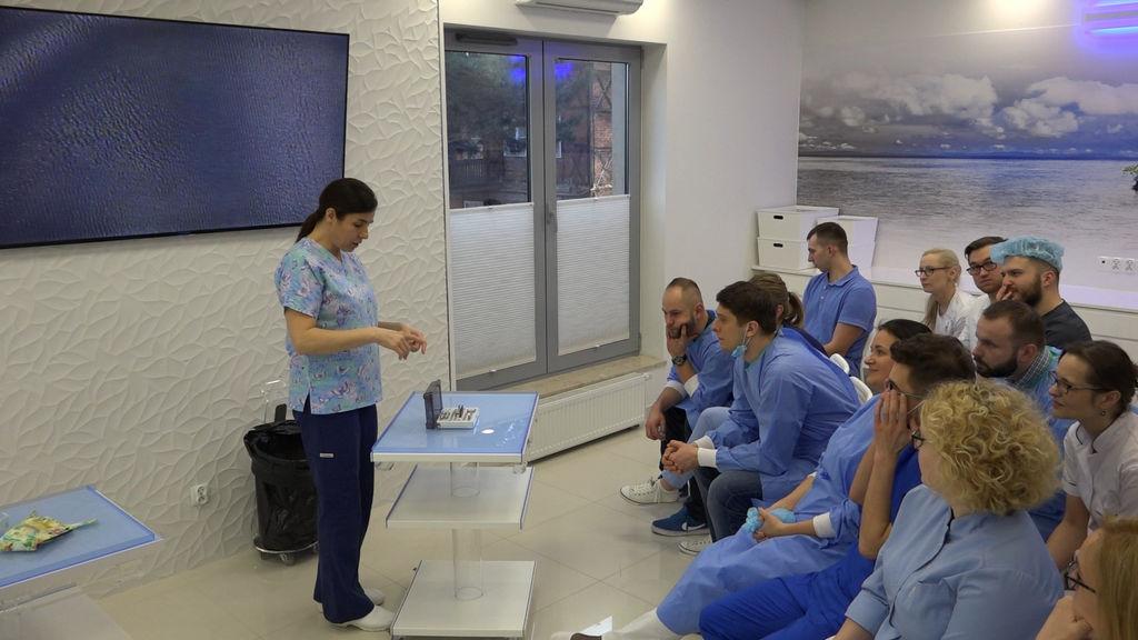 practiculum-implantologii-04-s1-037