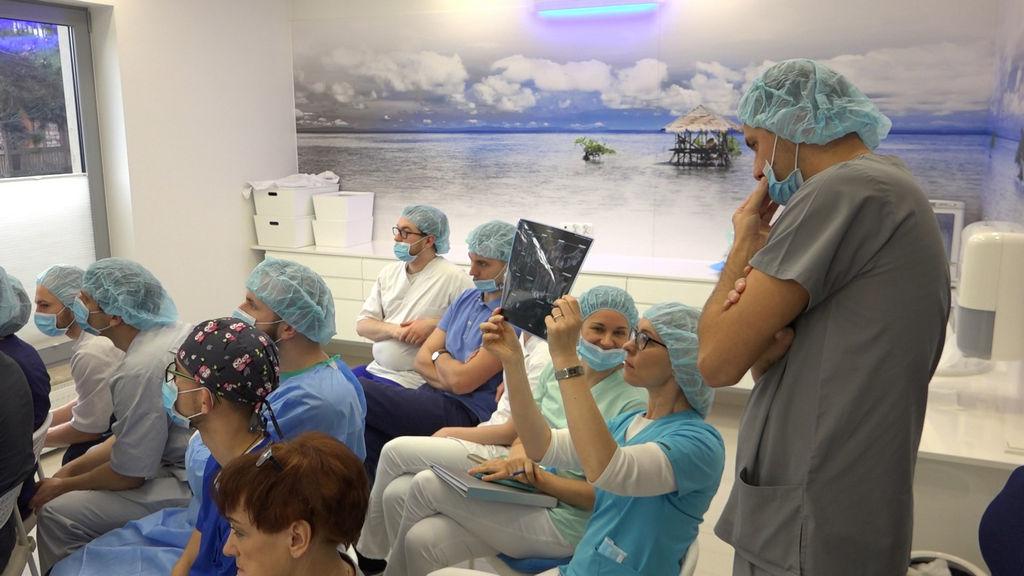 practiculum-implantologii-04-s1-039