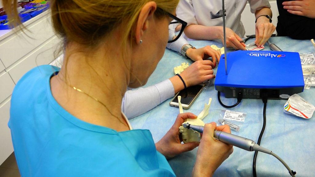 practiculum-implantologii-04-s2-020