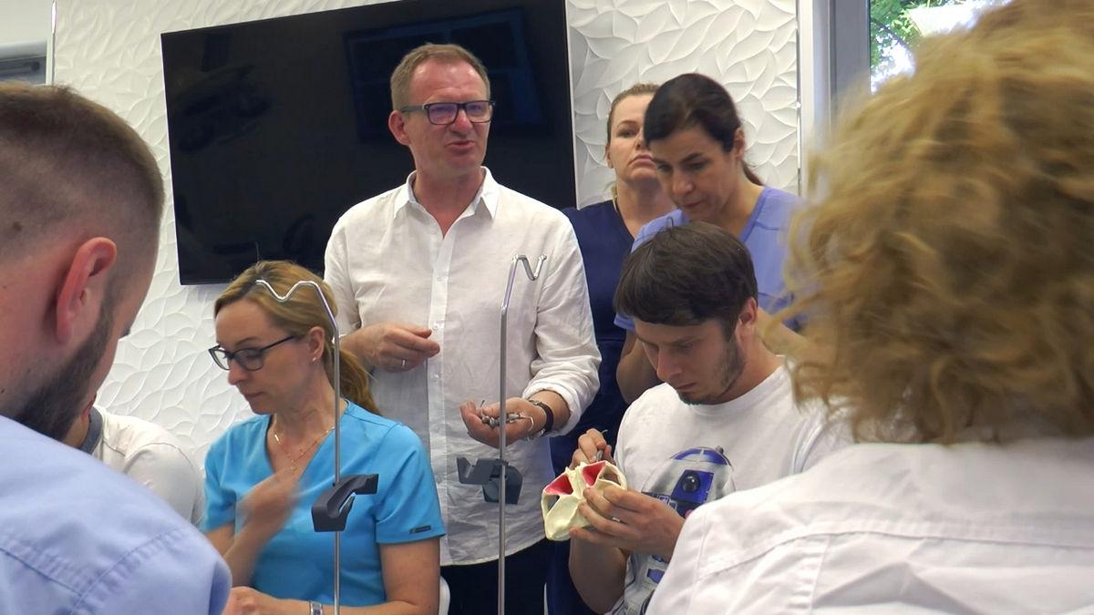 practiculum-implantologii-siv-s3-011