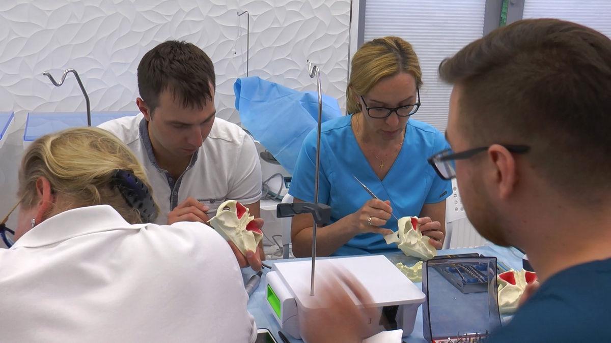 practiculum-implantologii-siv-s3-019