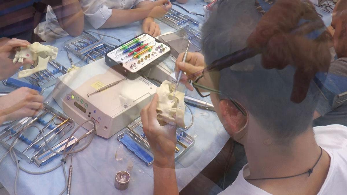 practiculum-implantologii-siv-s3-027
