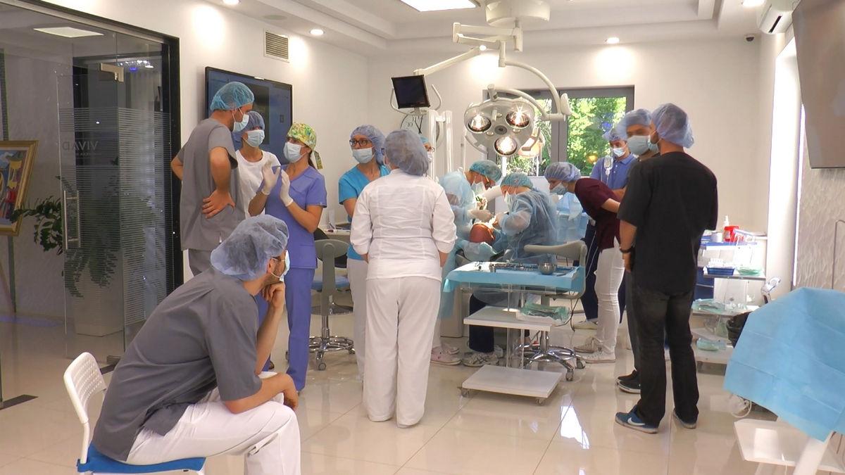 practiculum-implantologii-siv-s3-050