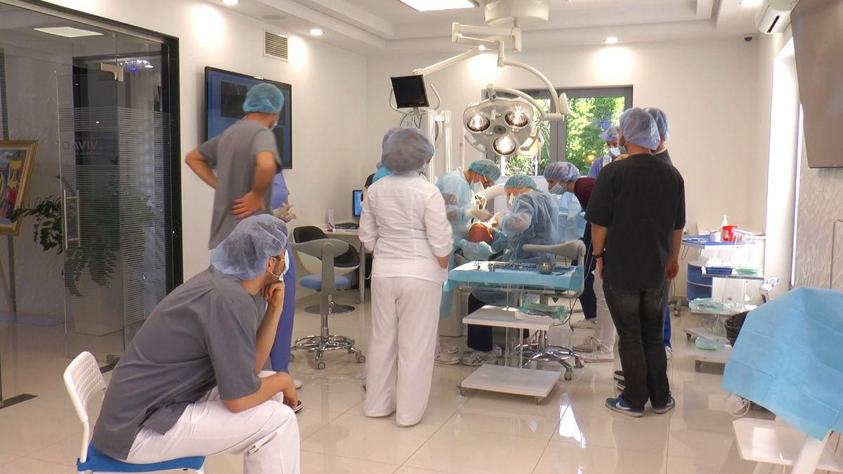 practiculum-implantologii-siv-s3-051
