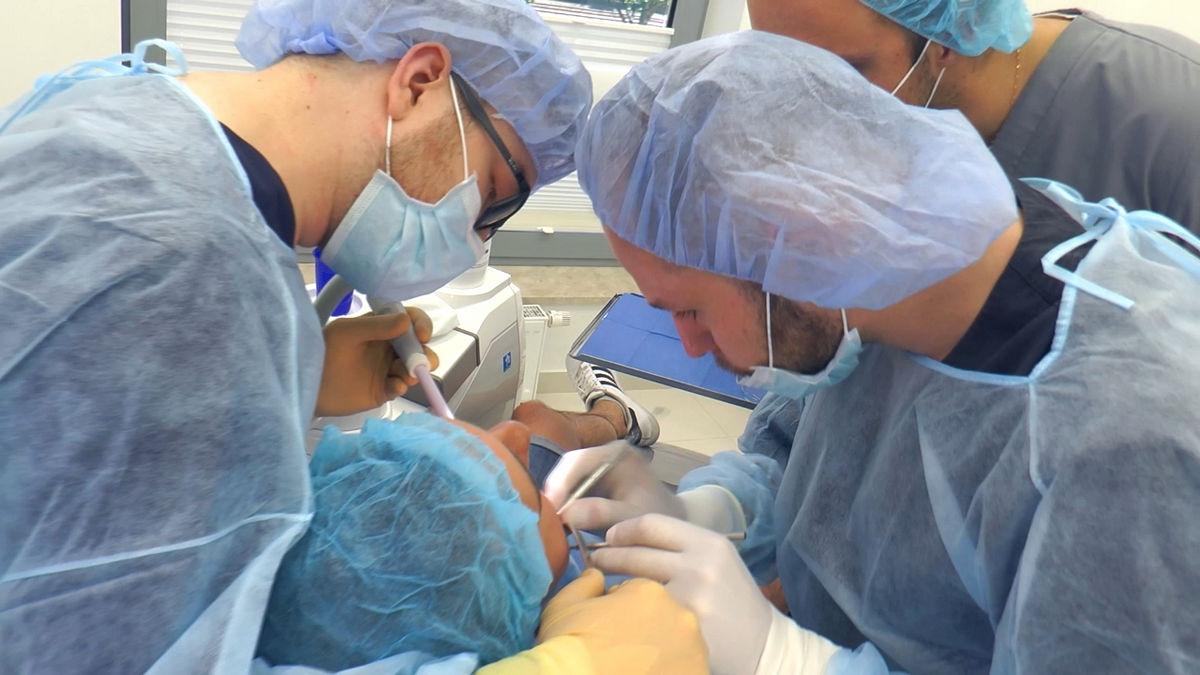 practiculum-implantologii-siv-s3-125