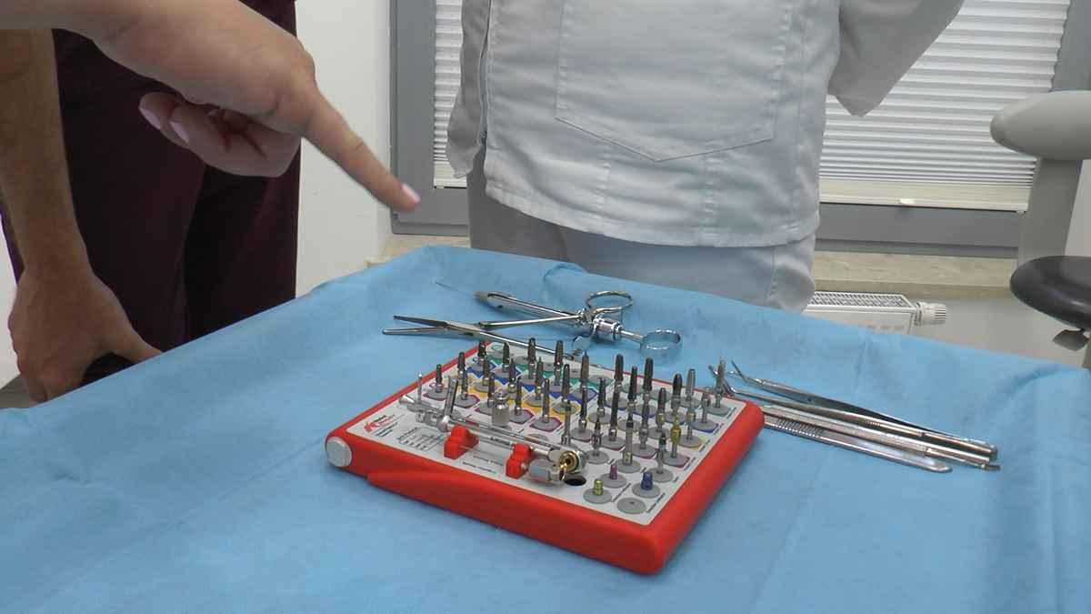 practiculum-implantologii-04-s4-025