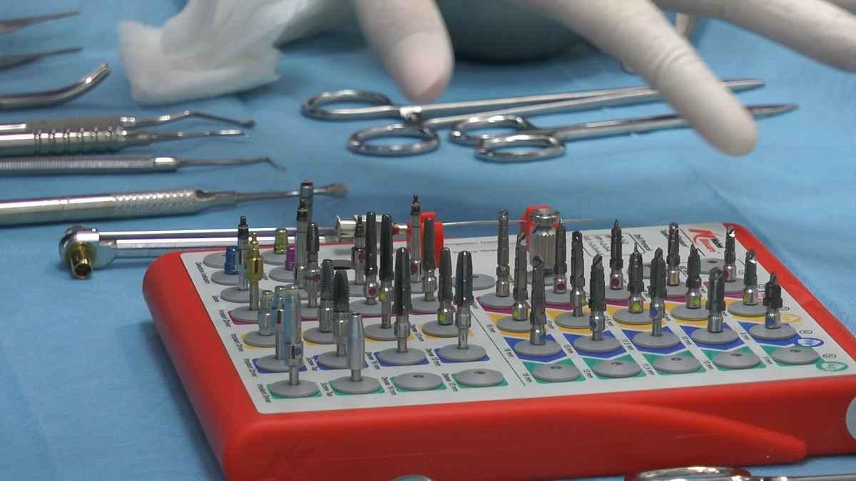 practiculum-implantologii-04-s4-032