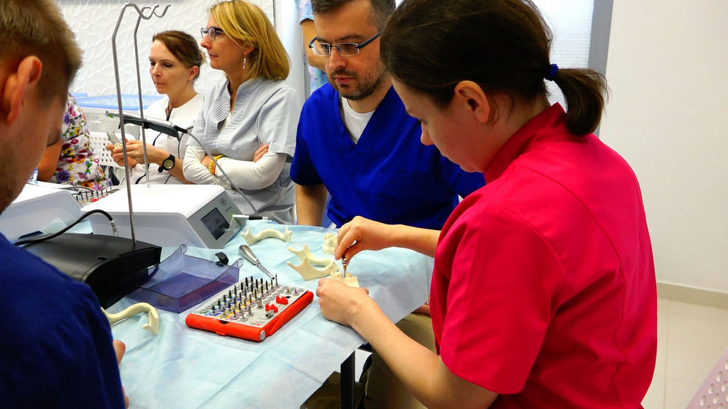 practiculum-implantologii-05-s1a-015