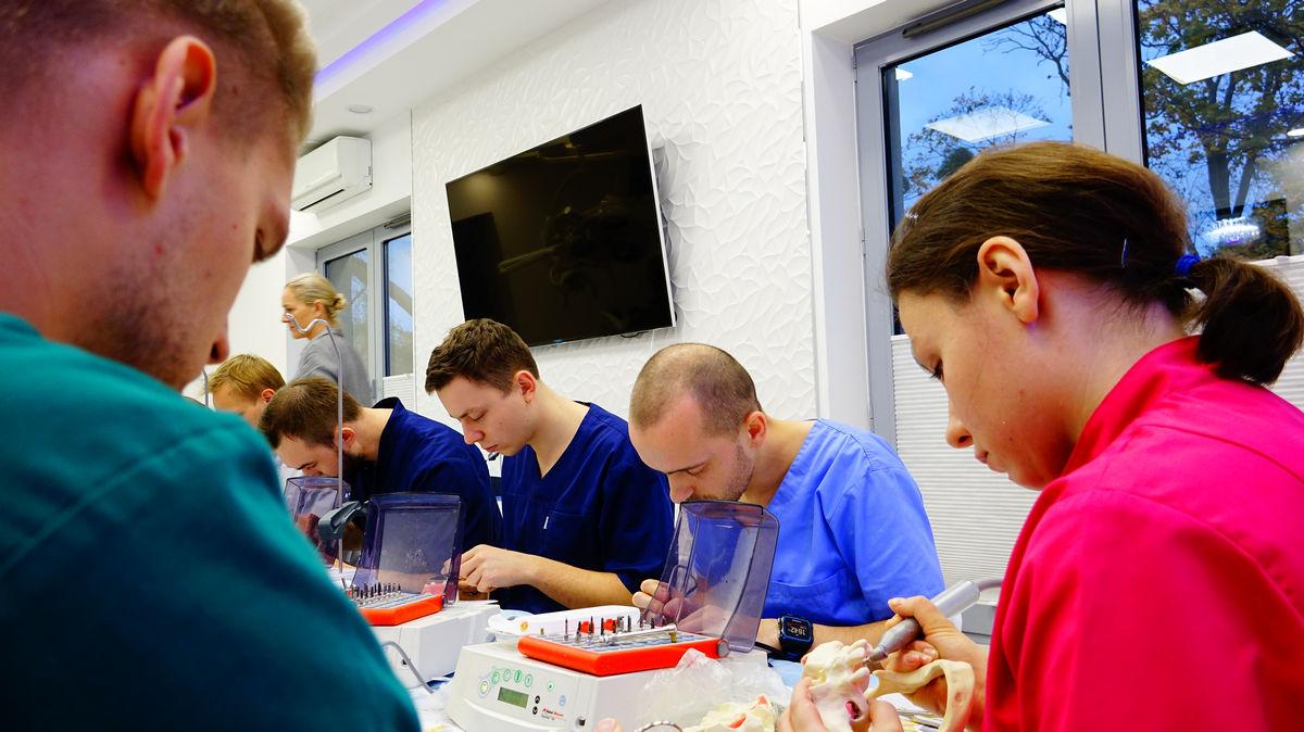 practiculum-implantologii-svb-s3-010