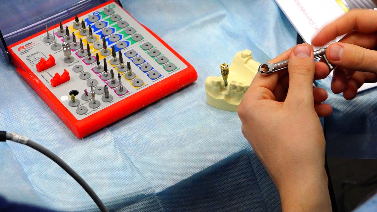 practiculum-implantologii-svb-s3-028