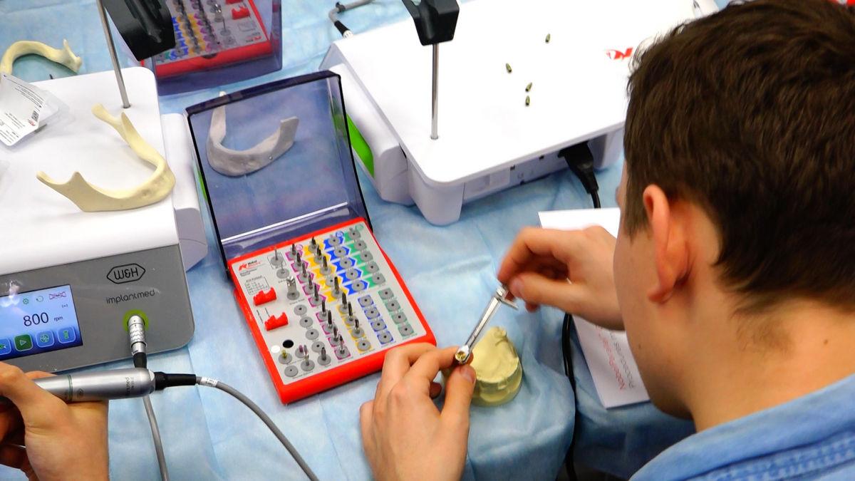 practiculum-implantologii-svb-s3-031