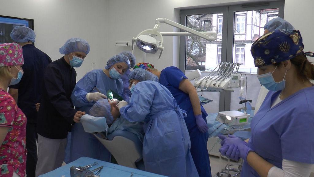 practiculum-implantologii-05-s6b-126