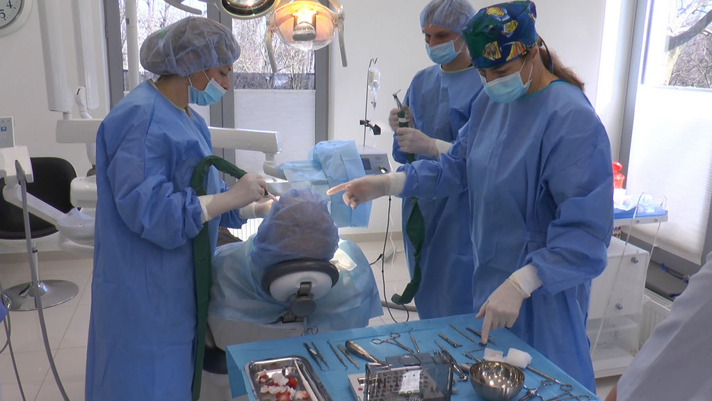 practiculum-implantologii-05-s7a-d2-145