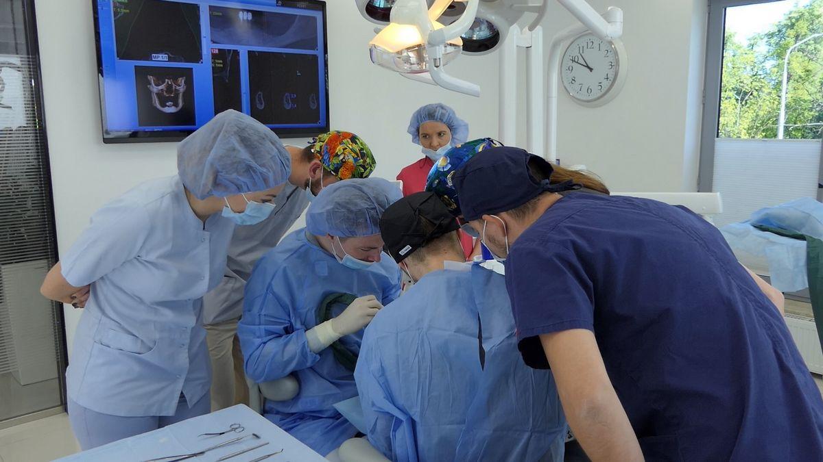 practiculum-implantologii-sva-s8-006