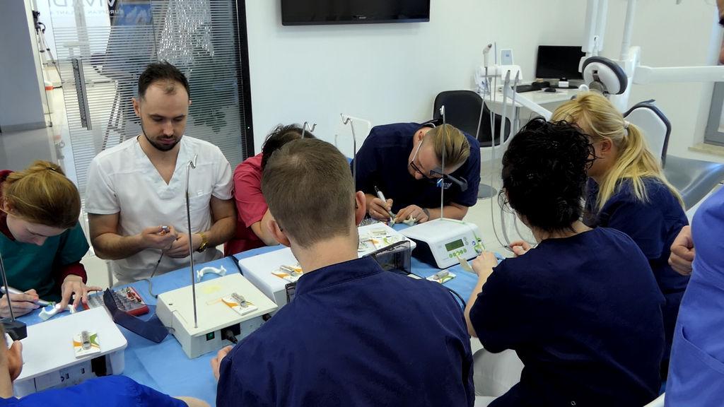 practiculum-implantologii-06-s1-001