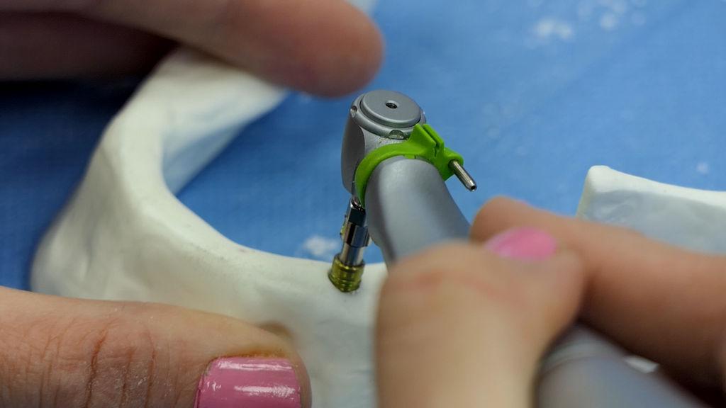 practiculum-implantologii-06-s1-014