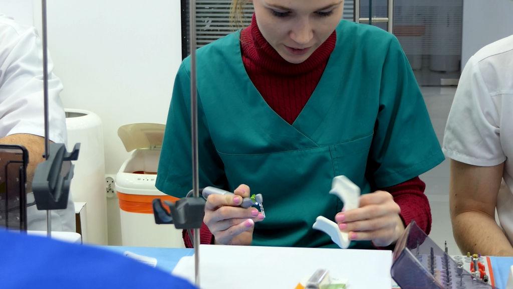 practiculum-implantologii-06-s1-075