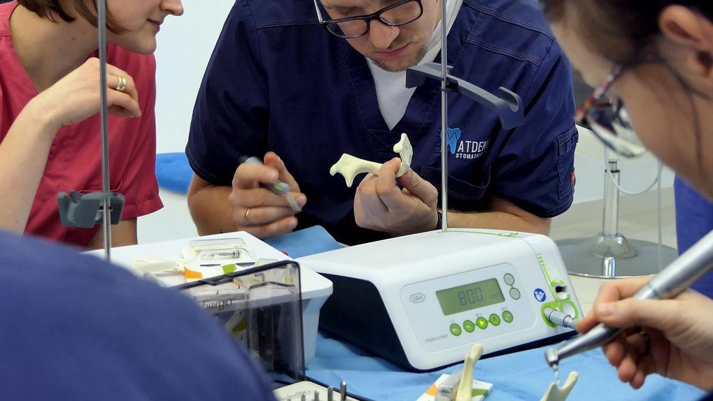 practiculum-implantologii-06-s1-077