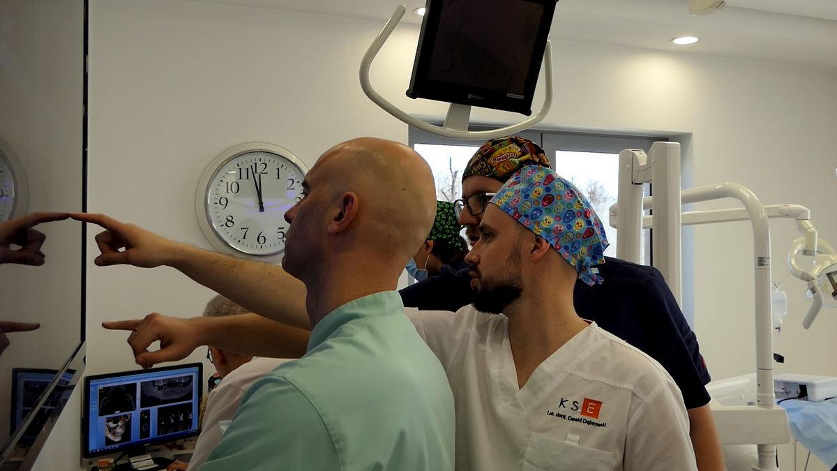 practiculum-implantologii-svi-s2-036