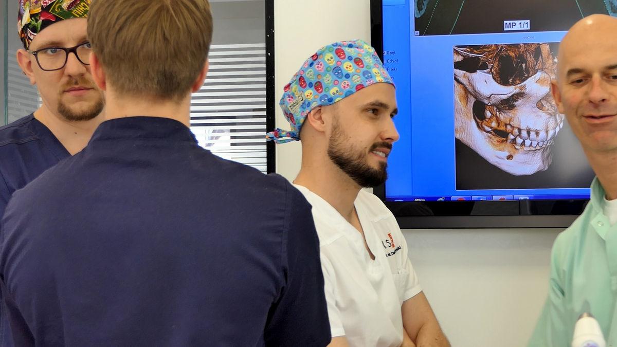 practiculum-implantologii-svi-s2-043