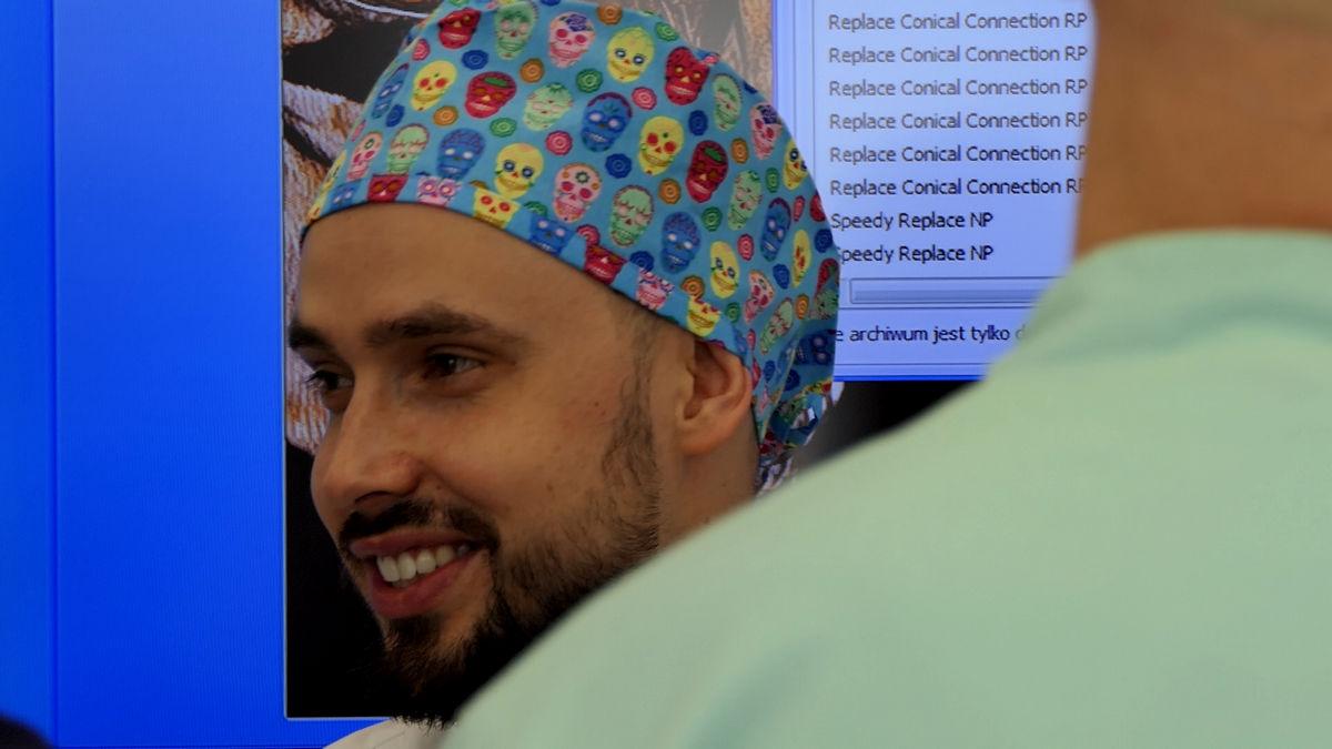 practiculum-implantologii-svi-s2-044