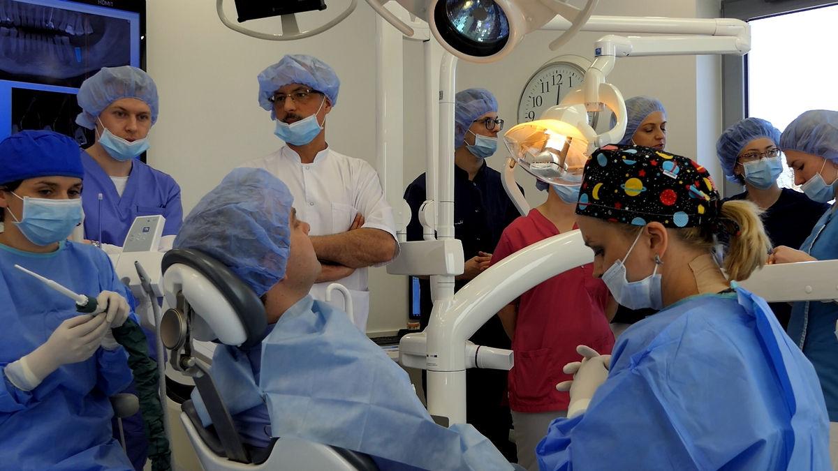 practiculum-implantologii-svi-s2-066