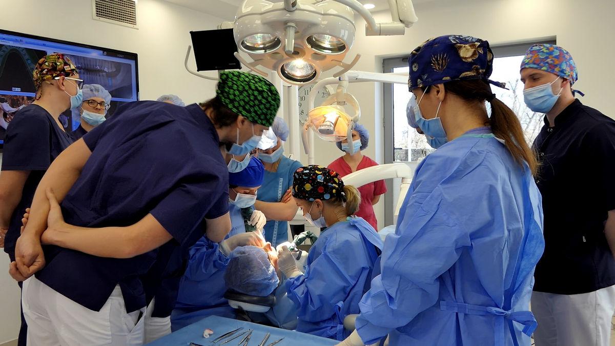 practiculum-implantologii-svi-s2-076