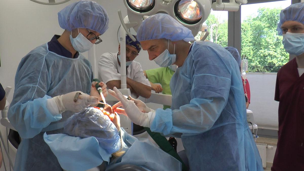 practiculum-implantologii-siv-s3-012