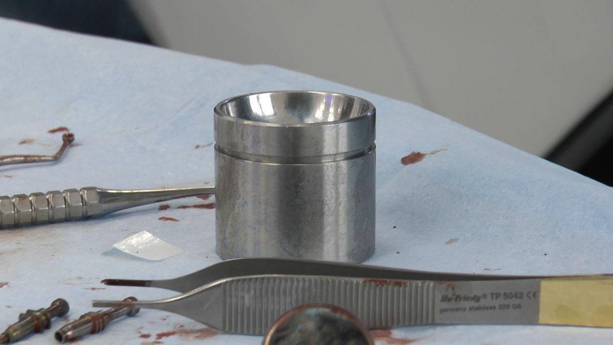 practiculum-implantologii-siv-s3-049