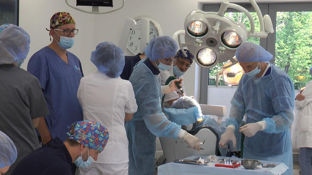 practiculum-implantologii-siv-s3-068