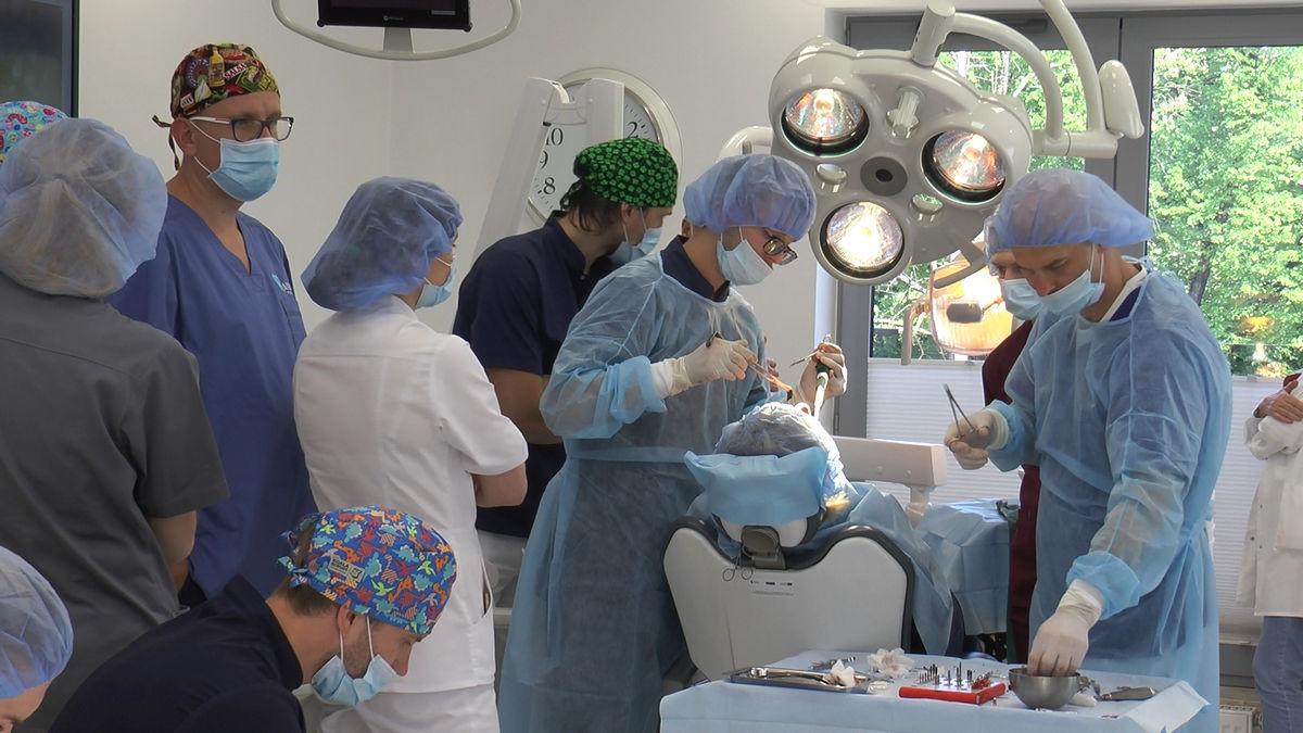 practiculum-implantologii-siv-s3-069
