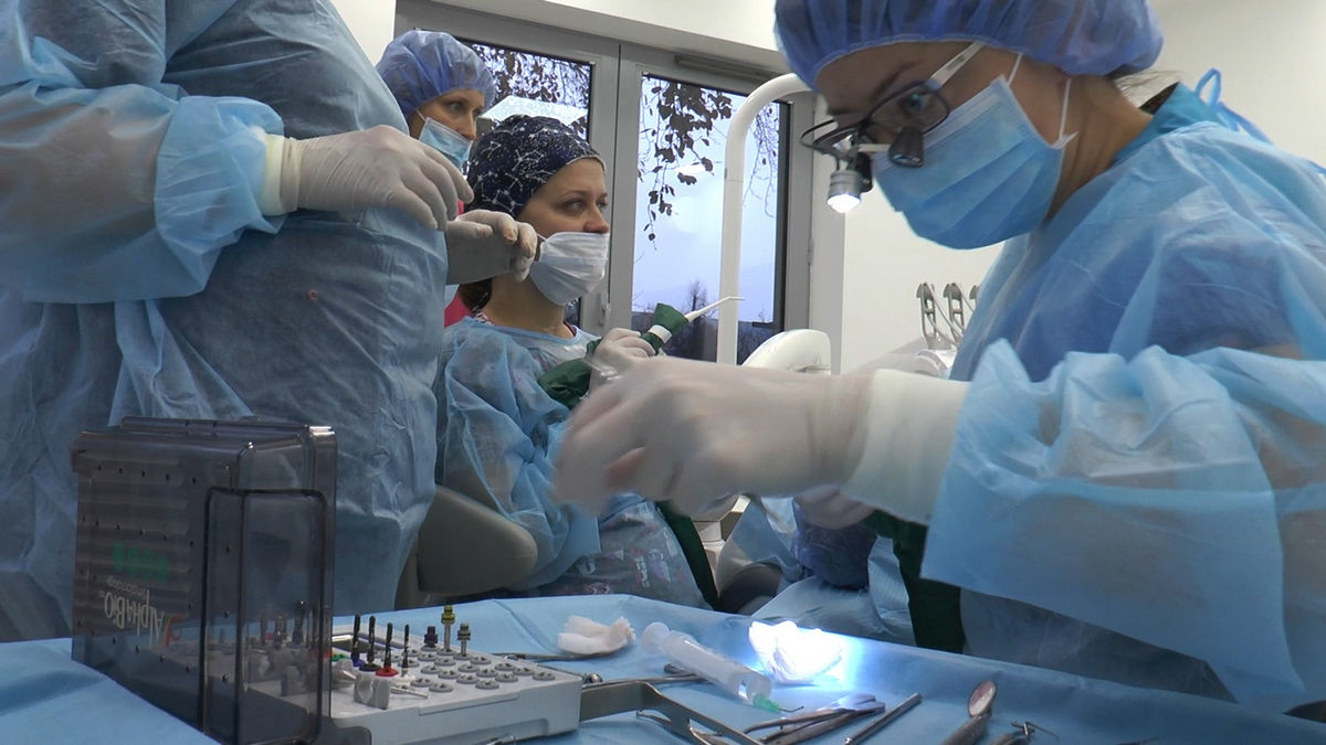 practiculum-implantologii-s-vi-e-7-093