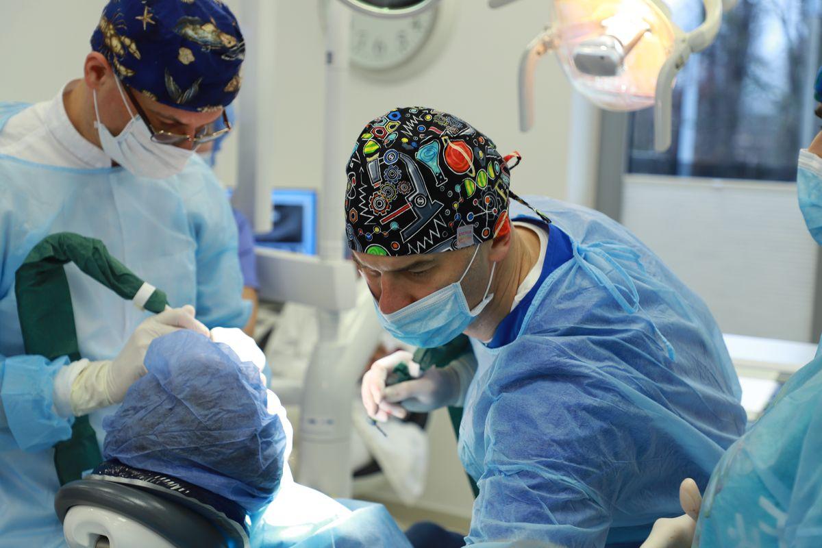 practiculum-implantologii-svi-s8-021