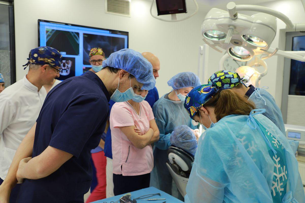 practiculum-implantologii-svi-s8-025