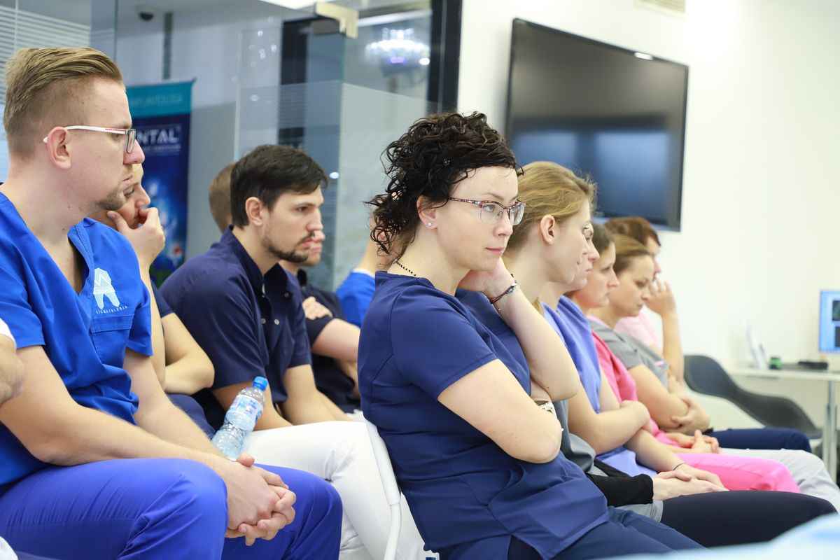 practiculum-implantologii-svi-s8-045