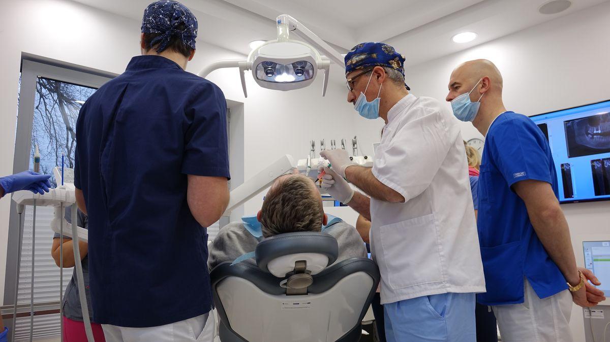 practiculum-implantologii-svi-s8-004